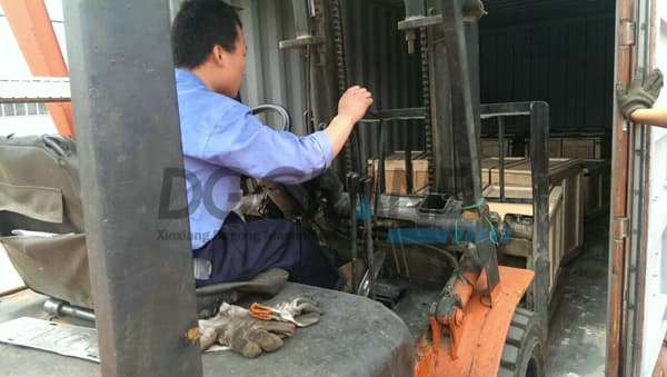 forklift driver move the crane wheels